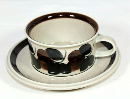 Arabia Finland Ruija Troubadour Flat Cup and Saucer Fruit Leaves Pottery China