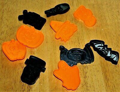 Wilton: 10 Pc. Set - SPOOKY HALLOWEEN COOKIE CUTTERS #2304-9210 - Guc - Plastic