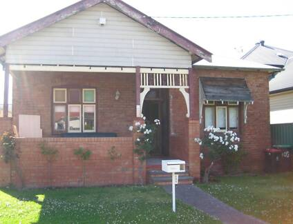 LARGE SPACIOUS SUNNY ROOM FOR RENT - BROADMEADOW $175 Broadmeadow Newcastle Area Preview
