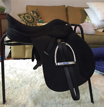 Wintec pro all purpose 16.5inch saddle Merewether Heights Newcastle Area Preview