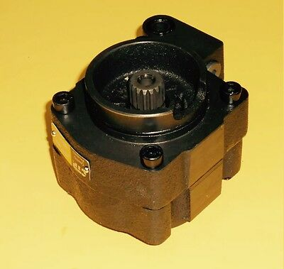 Caterpillar Excavator 320 322 325 1038264 103-8264 Charge Pump Pilot Pump