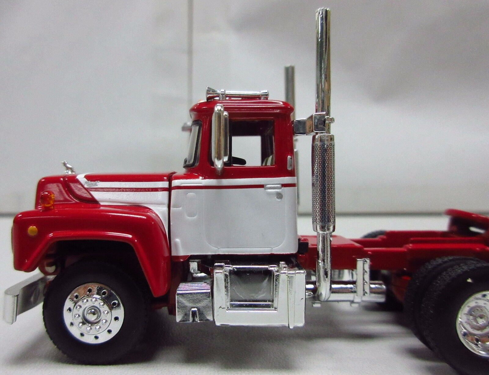 1st Gear, 1/64th scale R Model MACK White & Red