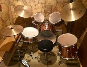 Westbury drum set with pearl cymbals