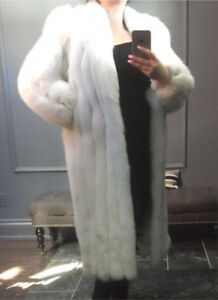 Beautiful Arctic Blue Fox White Fur - Full Length Winter Coat