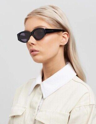 Karen Walker Castaway Sunglasses   Black Classic Oval UVA & UVB protect $350 RRP
