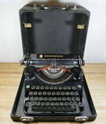 Vintage Underwood Champion Manual Portable Typewriter with Case