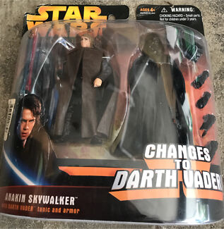 Anakin Skywalker changes to Darth Vader action figure - Hasbro