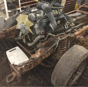 2001    6.8  or  413  cubic in  V10  complete drive line