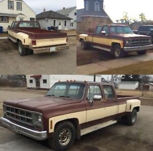 1977 GMC 3+3 Crew Cab Dually + Camper Topper