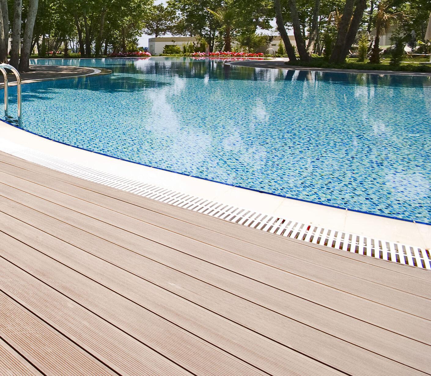 wpc terrassen dielen diele pool holz poolumrandung barfu diele steg zubeh r eur 1 00 picclick de. Black Bedroom Furniture Sets. Home Design Ideas
