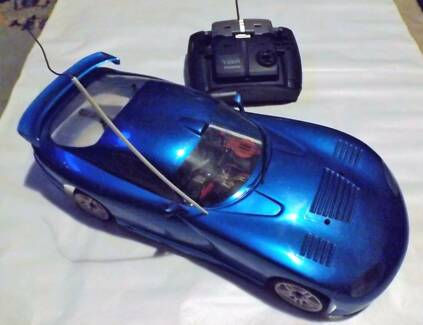 VIntage Kyosho RC Dodge Viper 4WD Nitro