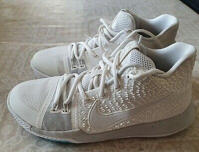Nike Kyrie 3 (IVORY) UK 5.5 Basketball Shoe