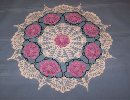 """WHITE BEADED DOILY WITH WOOD VIOLET BEADED ROSES HAND-CROCHETED 16 """" NEW"""