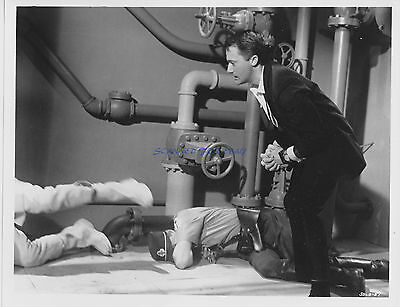 Man From Uncle To Trap A Spy Orig1966 8X10 Robert Vaughn As Napoleon Solo