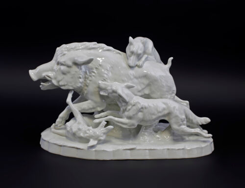 9944331-ds Porcelain Figurine Hunting Dog Wild Boar Sitzendorf 9 3/8x7 1/8in