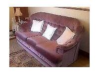 3 piece suite in dusky pink ( can arrange transport if needed )