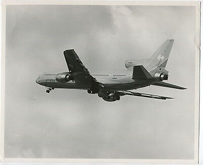 COURT LINE LOCKHEED TRISTAR L-1011 LARGE OFFICIAL PHOTO G-BAAA AVIATION