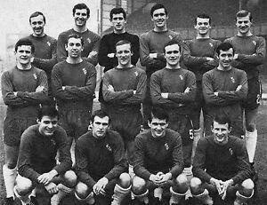 CHELSEA FOOTBALL TEAM PHOTO 1967-68 SEASON