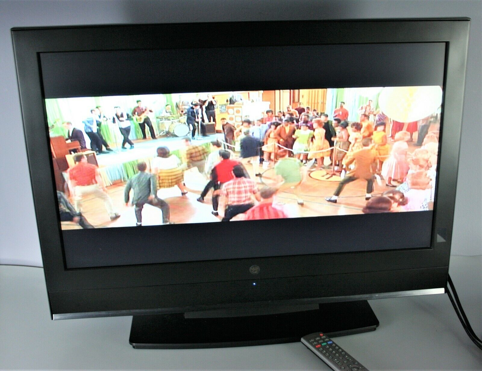 """Westinghouse SK-32H540S 32"""" 1080i HD LCD Television"""