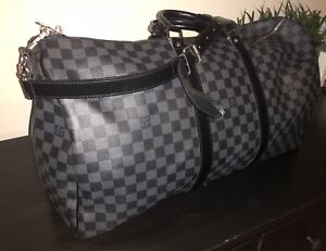 AS NEW LOUIS VUITTON BANDOULIERE 55