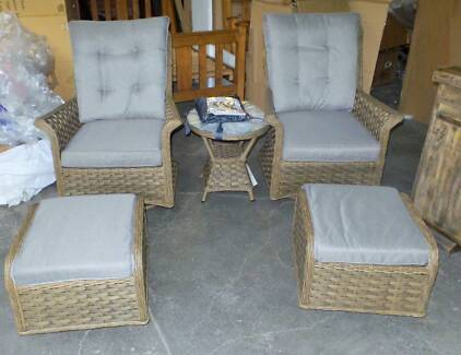 6 PCE OUTDOOR SETTING WITH SWIVEL ROCKING CHAIRS AND FOOTSTOOLS