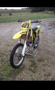 2010 RMZ 250! 40 hours | Fuel Injected | Ready for the season