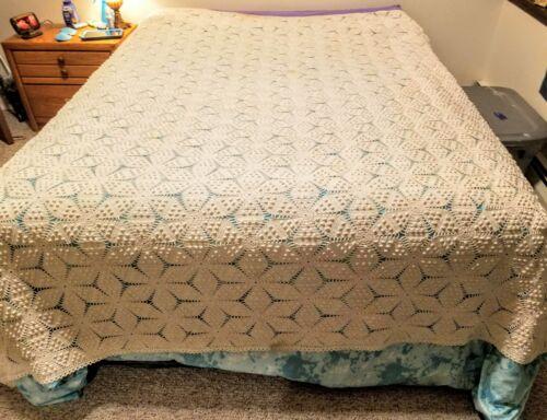 Vintage Popcorn crochet queen bedspread 92 x 89