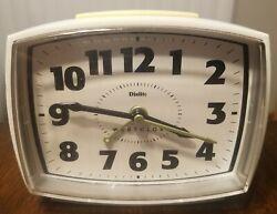 Westclox Analog White Alarm Clock Dialite Model #22192 VERY NICE!