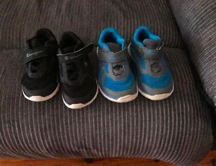 Kids shoes size 6