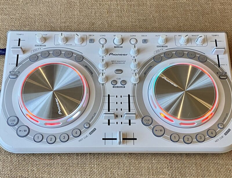 Pioneer DDJ WeGO2 Limited Edition. White. Tested And Working