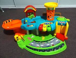 Toot Toot Garage with 4 vehicles included (Vtech) East Hills Bankstown Area Preview