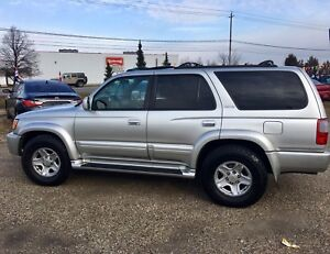 Toyota 4Runner Limited 2000 (super clean)
