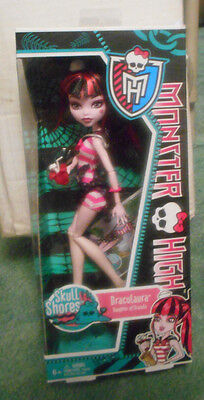 Monster High Doll Original 2011*RARE* Skull Shores Draculaura! NIB