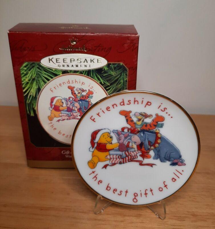 1997 Hallmark Gift of Friendship Winnie the Pooh Plate Keepsake Ornament Disney