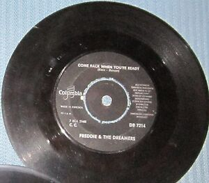 Freddie-The-Dreamers-Rare-Swedish-single-on-Columbia