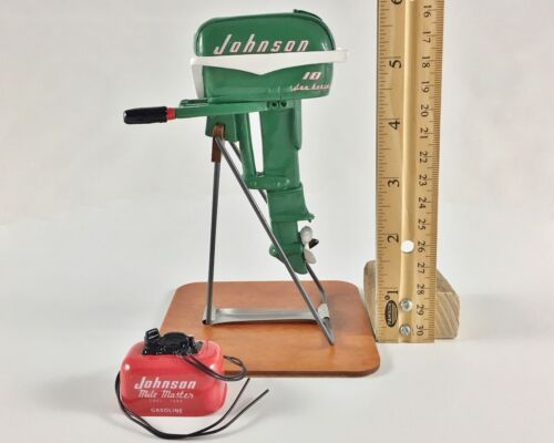 Miniature Outboard Boat Motor, Green 1955 Johnson 10 HP Sea Horse with Gas Tank