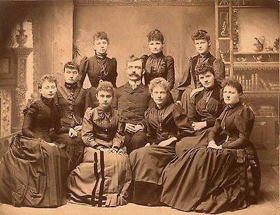 VICTORIAN FASHION, MAN WITH NINE YOUNG WOMEN & ORIGINAL ca 1890's MOUNTED PHOTO