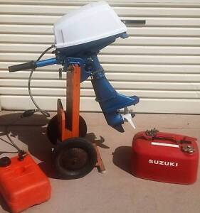 Suzuki DT5 5HP outboard motor Japan + 2x tanks -for repair/parts Belmont Lake Macquarie Area Preview