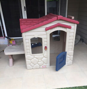 Little tikes cubby house - picnic on the patio Graceville Brisbane South West Preview