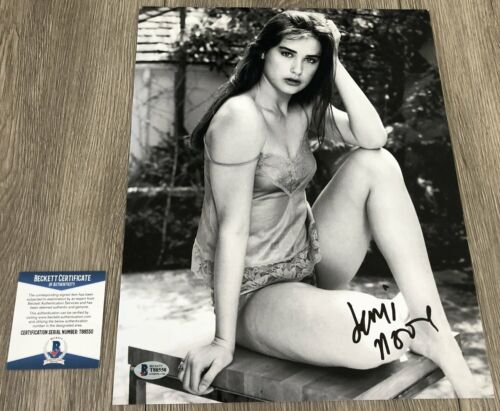 DEMI MOORE SIGNED GHOST STRIPTEASE 11x14 PHOTO w/EXACT PROOF & BECKETT BAS COA