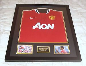 JAVIER-HERNANDEZ-CHICHARITO-GENUINE-HAND-SIGNED-FRAMED-MANCHESTER-UNITED-SHIRT
