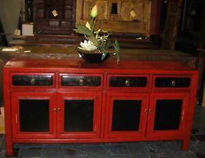 FINE ANTIQUE CHINESE GANSU LACQUERED AND PAINTED CABINET OR SIDEB