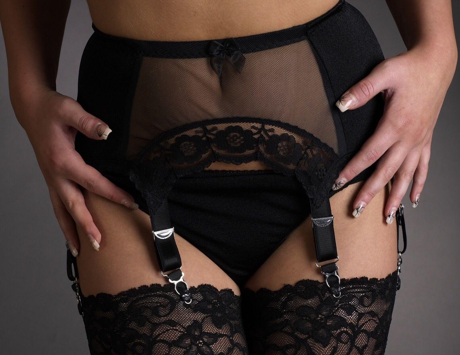 женщины примеряют белье пояса для чулок видео ним