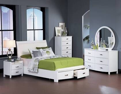 Brand New Lyric Queen/King Bed Frame With 2 Foot Draw in White