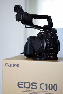 Canon C100 DAF Cinema EOS ONLY 12hrs Perfect Condition