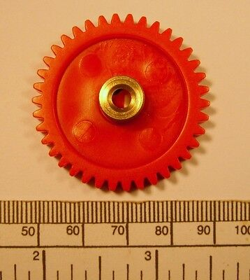 Gear   Brass Hub 4Mm Bore 38 Teeth   With Grub Screw