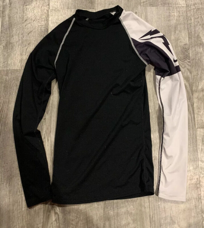 Nike Team Long Sleeve Lightweight Fitted Base Layer Shirt Youth Size Large Blck