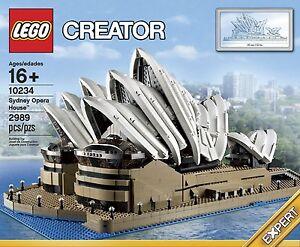 Sydney opera house model souvenir
