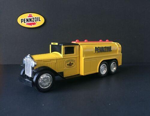 "ERTL made in the USA 1930 ""DIAMOND T"" Tanker Truck DieCast BANK 1/34 - NEW NIB"