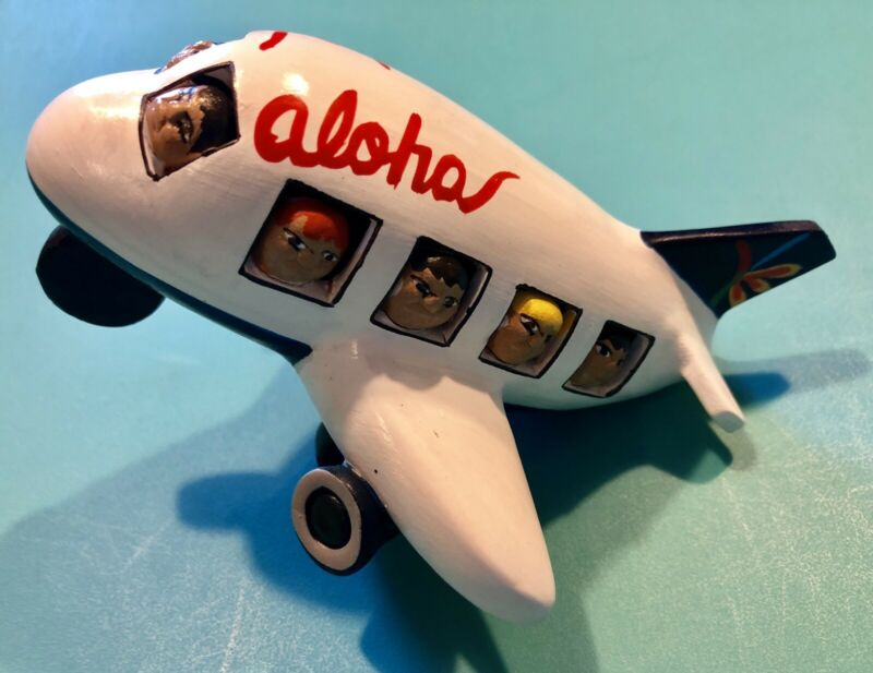 ALOHA AIRLINES HAND PAINTED CERAMIC PLANE